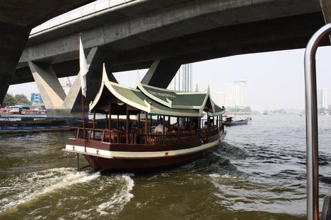 bangkok-chao-phraya-river-boat