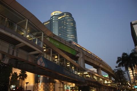 bangkok-siam-center-by-night