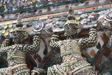 bangkok-wat-arun-second-floor-monsters
