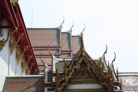 bangkok-wat-pho-front-roofs-details