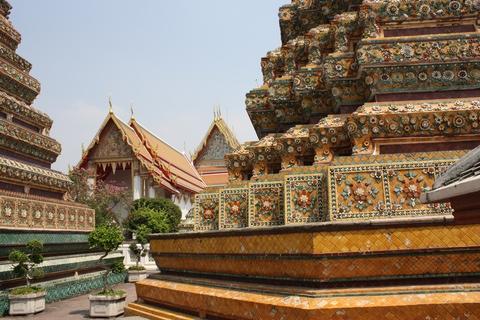 bangkok-wat-pho-stupas
