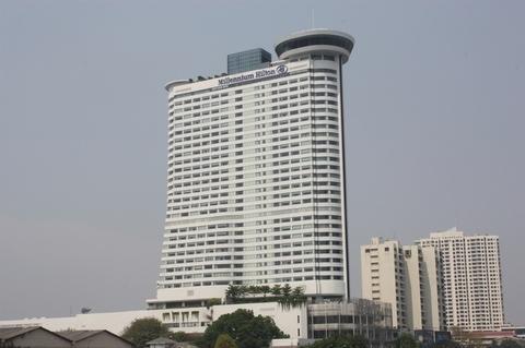 hilton-chao-phraya-view
