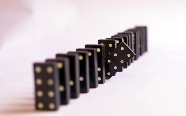 Domino Pieces Hd Wallpaper
